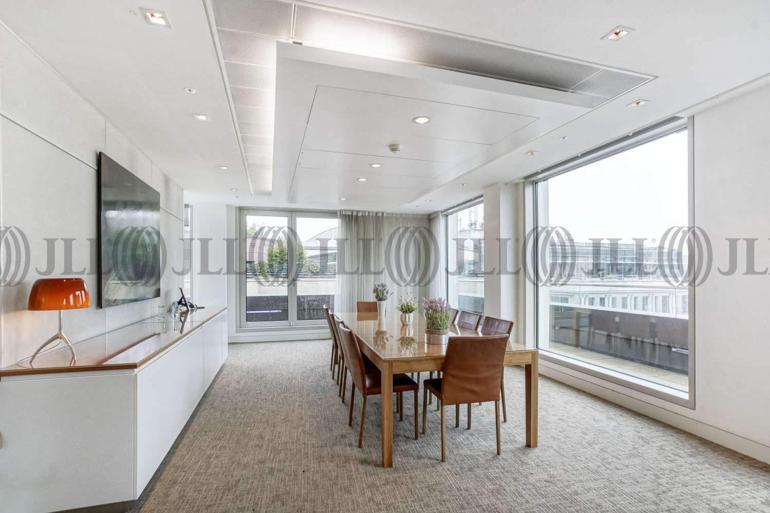 Office London, EC2R 8DN - 1 Old Jewry - 01845