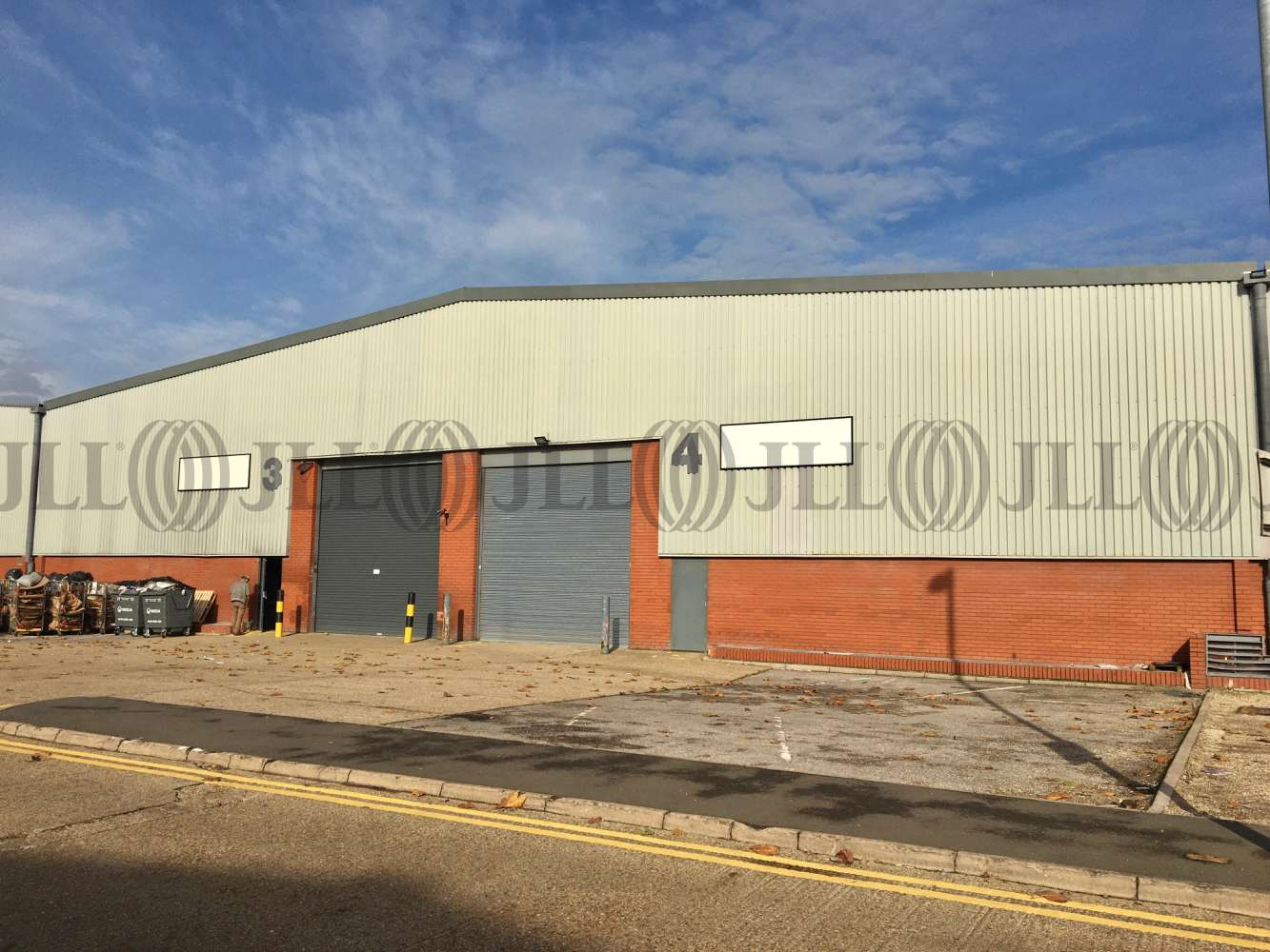 Industrial Heston, TW5 9NR - Unit 4 Airlinks Industrial Estate - 4