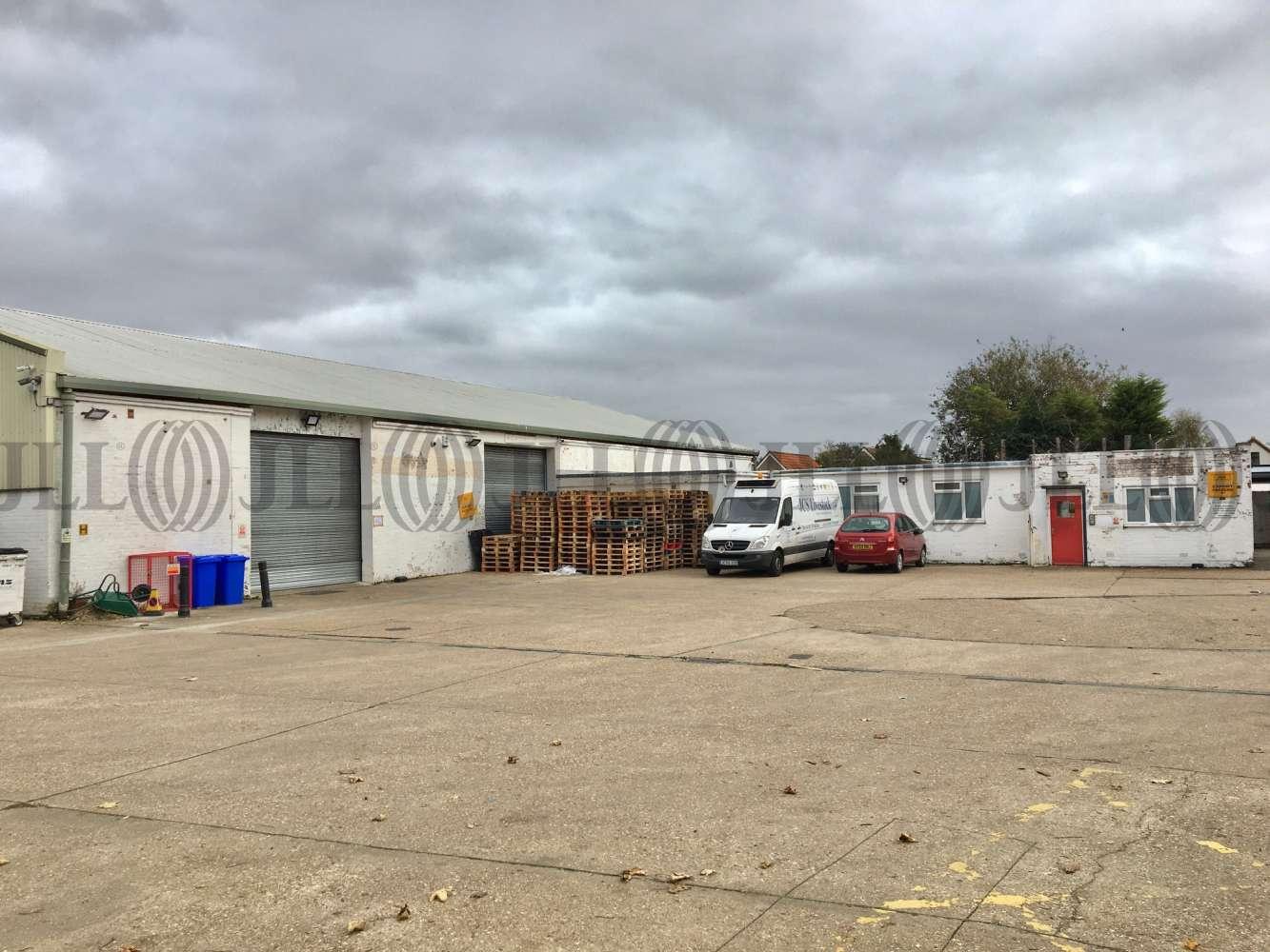 Industrial Heathrow, TW15 1YQ - Units 16 - 18 Ashford Business Centre - 4788