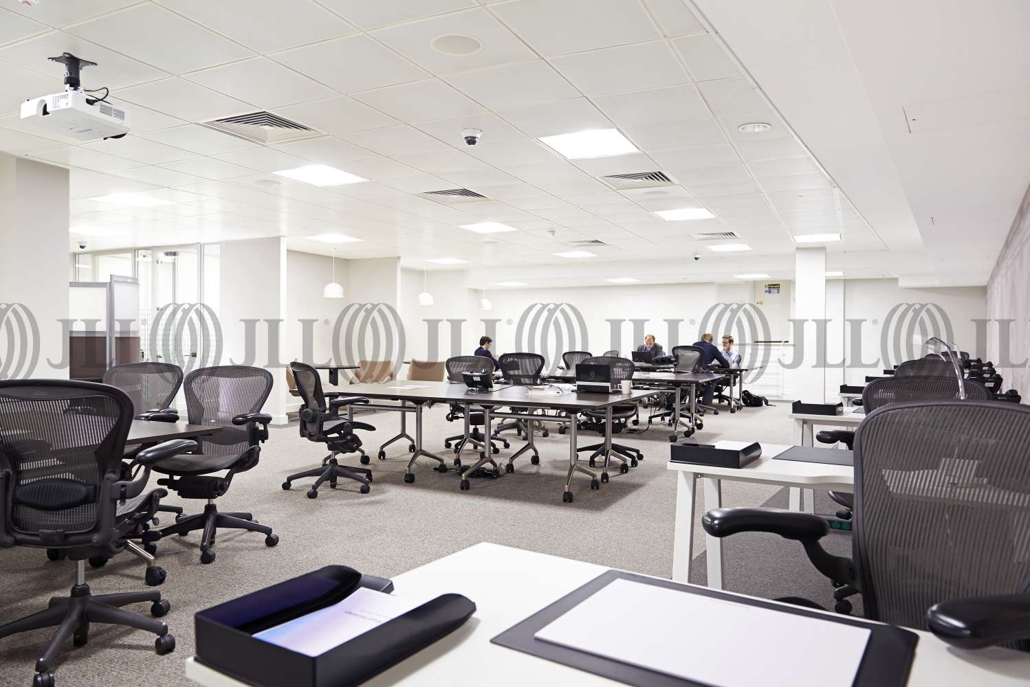 Serviced office London, EC3V 3DG - No. 1 Royal Exchange  - 1409080227