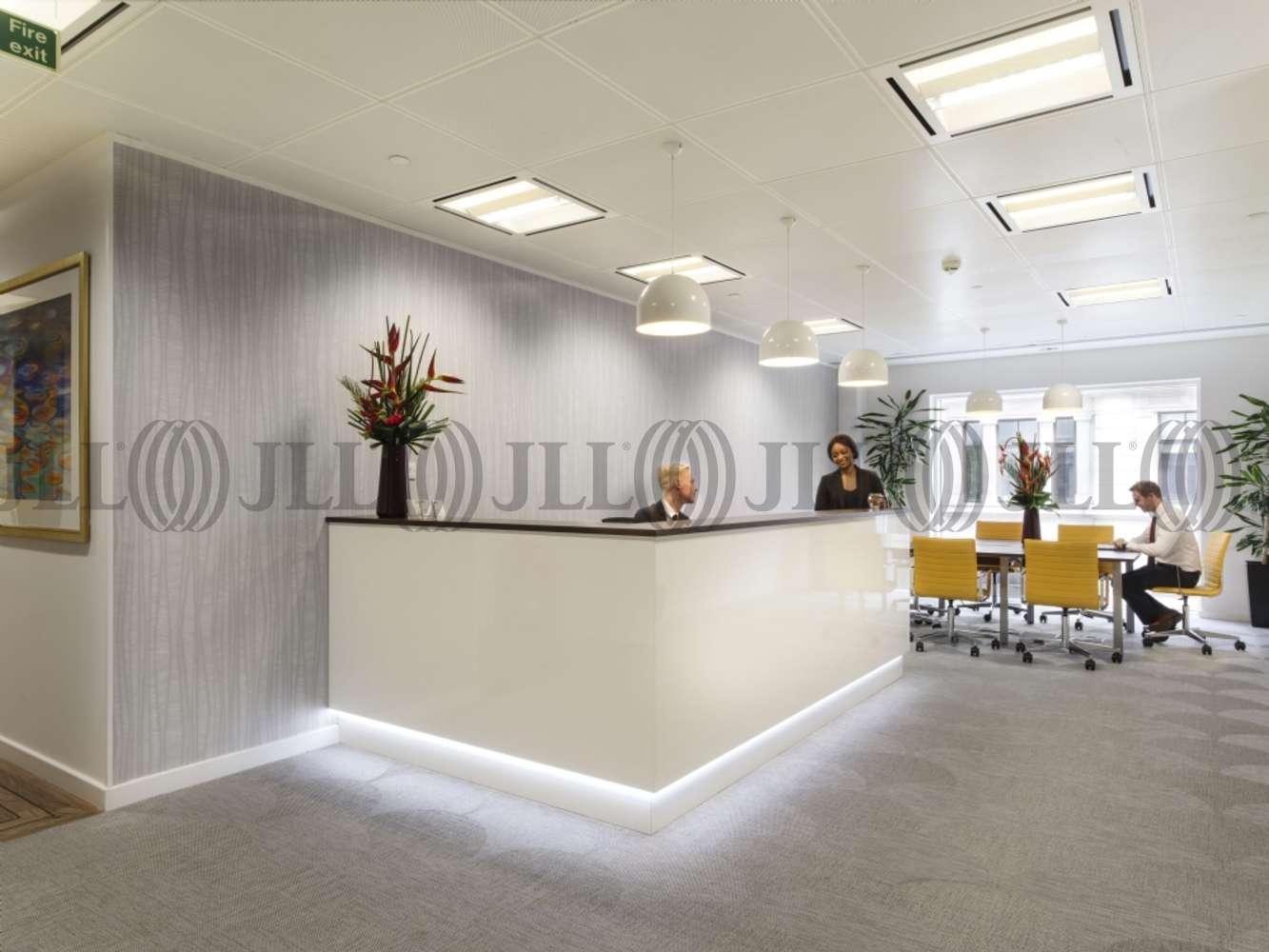 Serviced office London, EC2V 7BB - 60 Gresham Street - 980