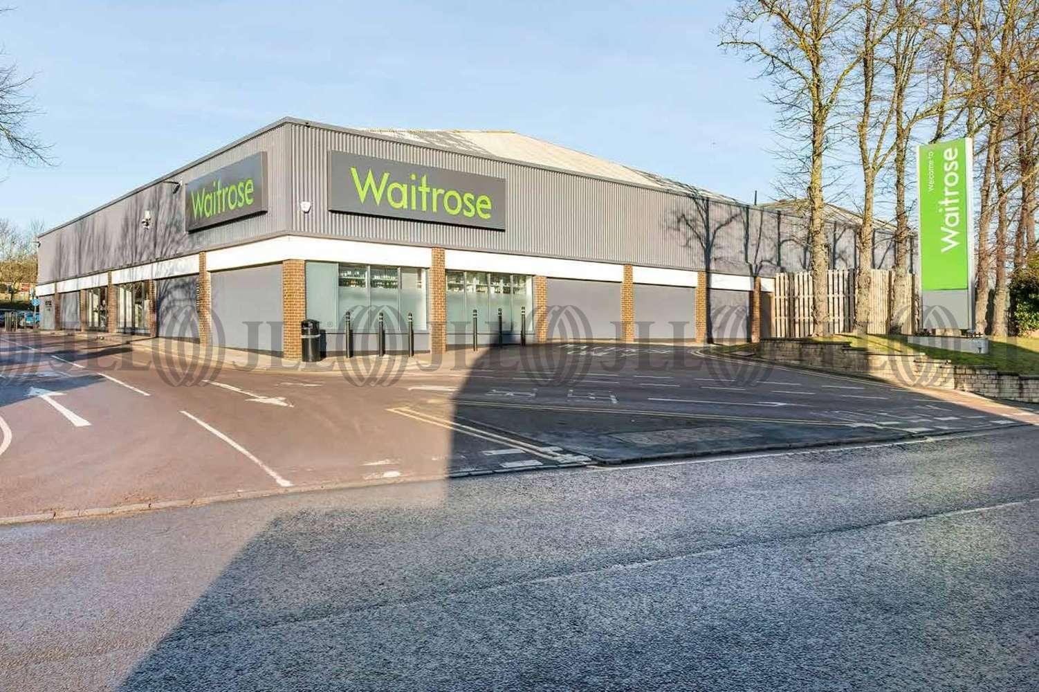 Retail shopping centre Stamford, PE9 2PR - Waitrose - 2