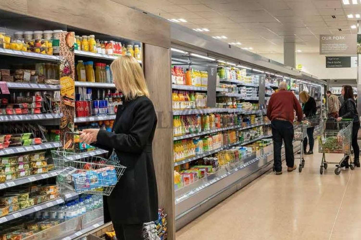 Retail shopping centre Stamford, PE9 2PR - Waitrose - 8