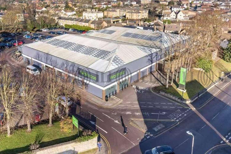 Retail shopping centre Stamford, PE9 2PR - Waitrose - 12