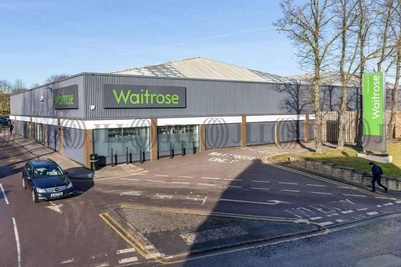 Retail shopping centre Stamford, PE9 2PR - Waitrose - 14