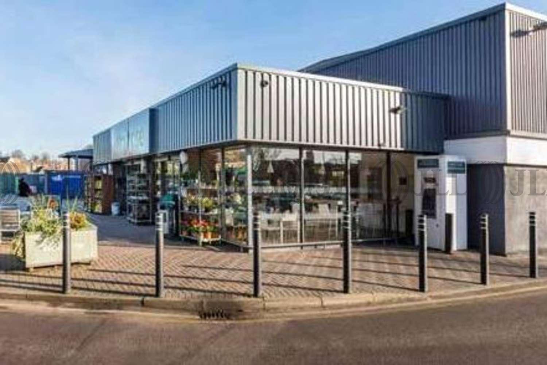 Retail shopping centre Stamford, PE9 2PR - Waitrose - 17