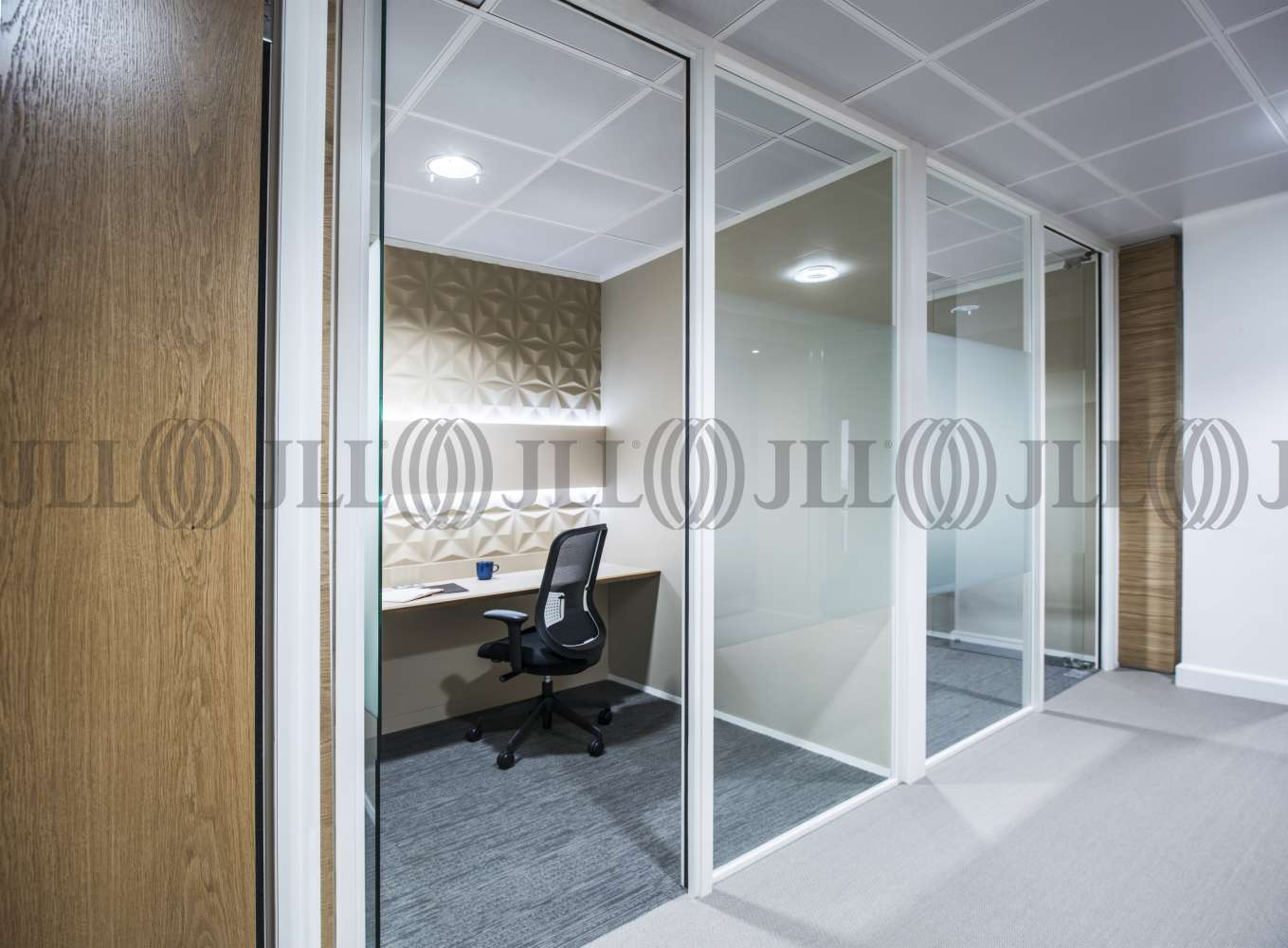 Serviced office London, EC4Y 0AB - Tallis House  - 136