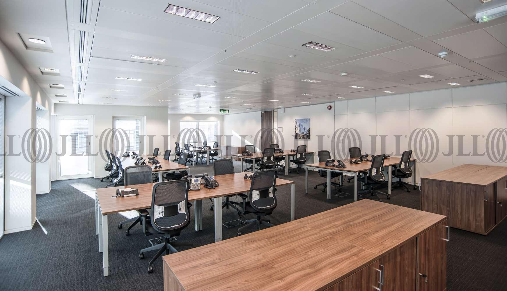 Serviced office London, W4 5YA - Chiswick Park  - 042