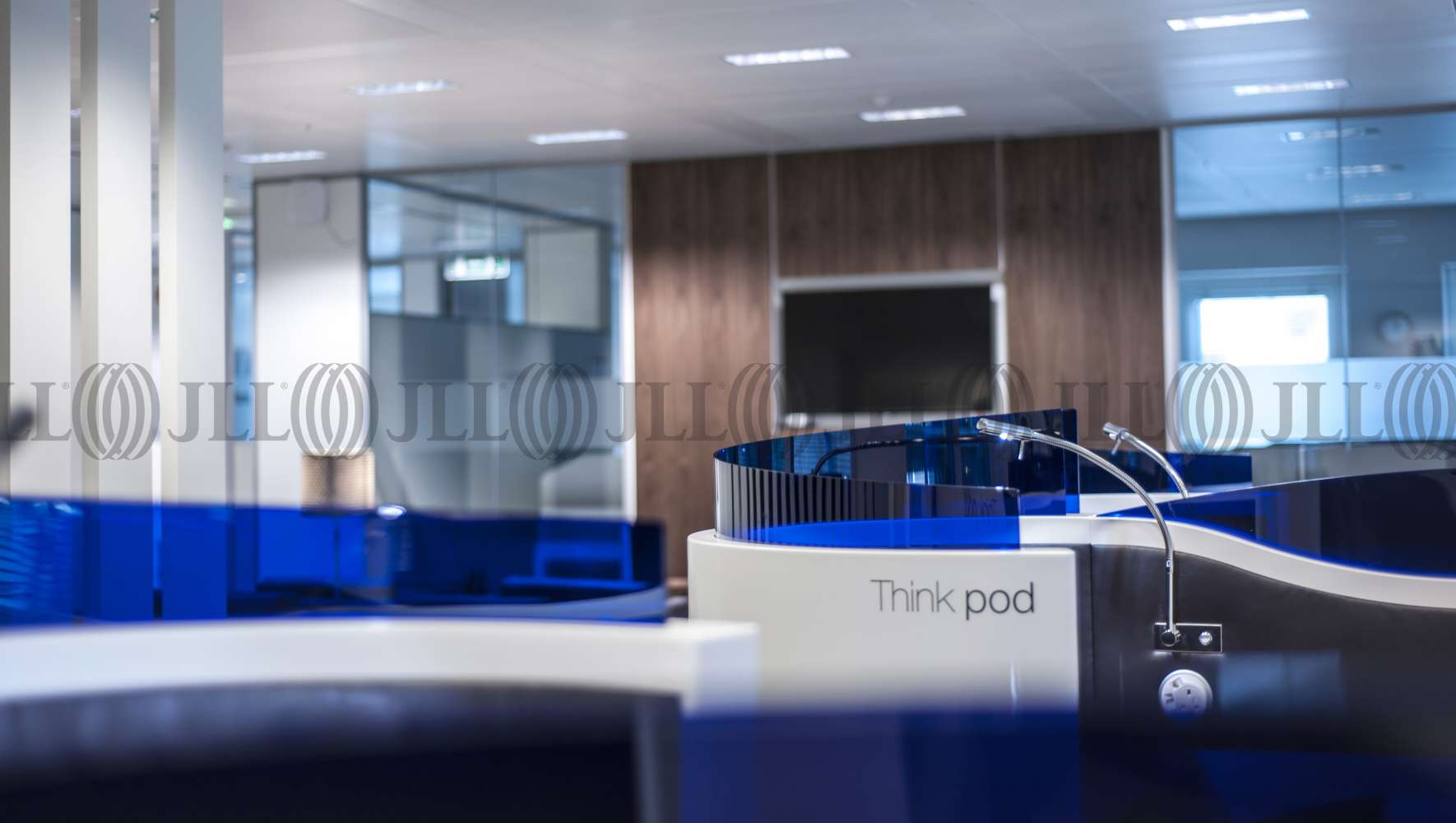 Serviced office London, W4 5YA - Chiswick Park  - 086