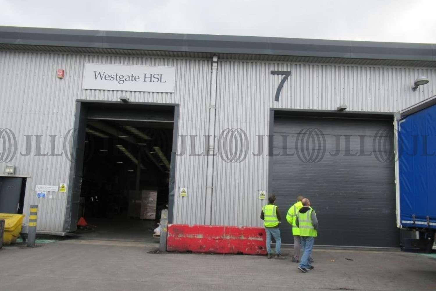 Industrial Hatton cross, TW6 2SR - Unit 7 - X2 Heathrow