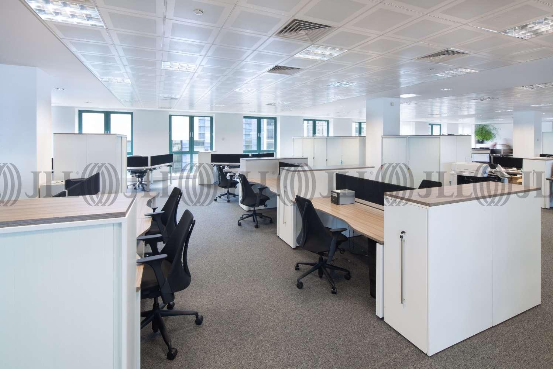 Office Edinburgh, EH3 8LL - Exchange Crescent - 039