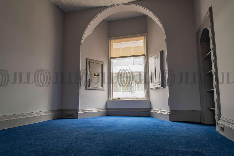 Office Glasgow, G2 8DS - 16 Robertson Street - 7990