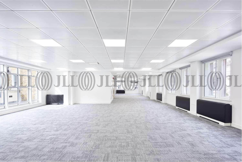 Office London, EC2N 2DG - 2 Throgmorton Avenue - 17