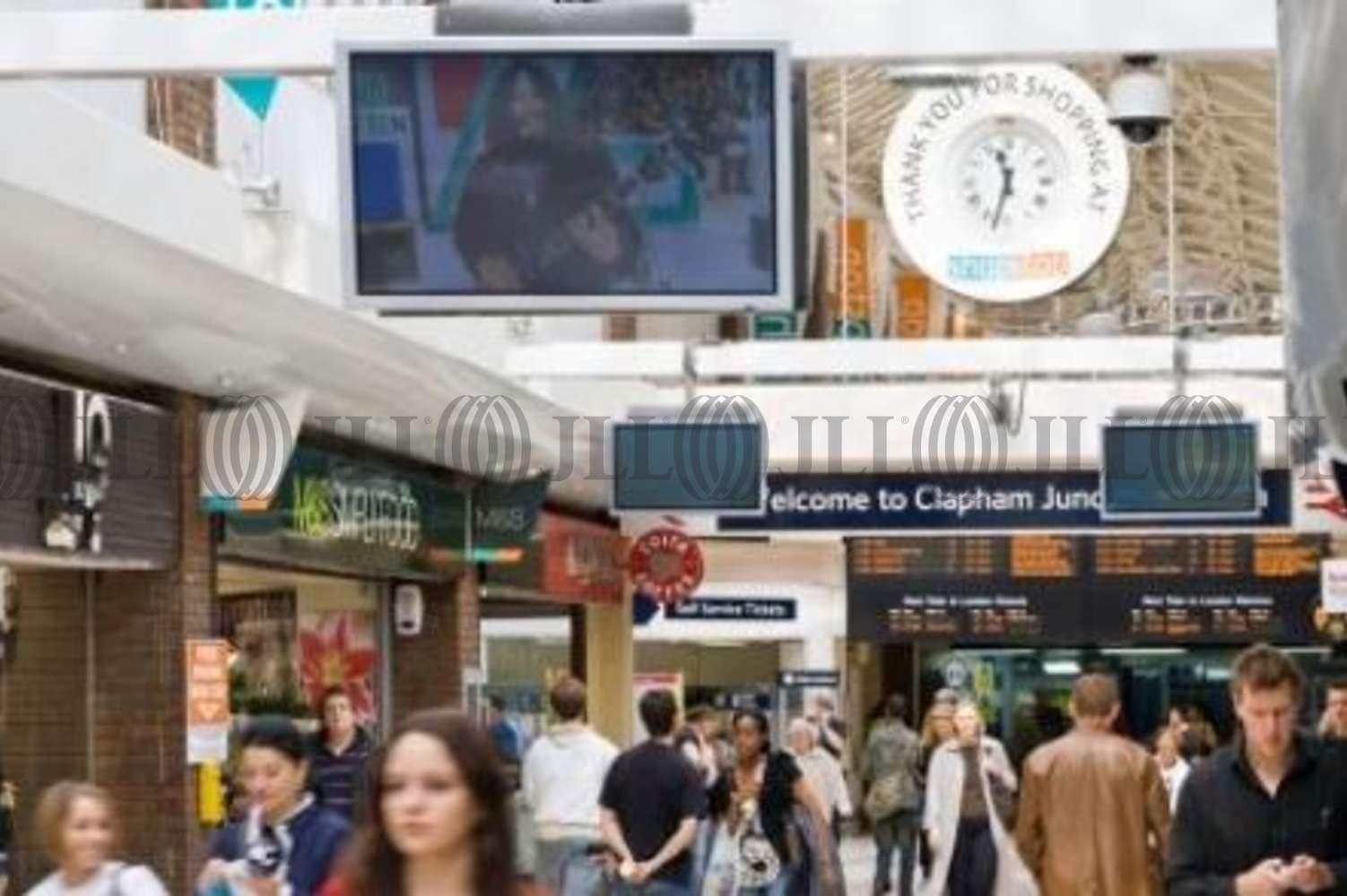 Retail shopping centre London, SW11 1RU - Shop Stop