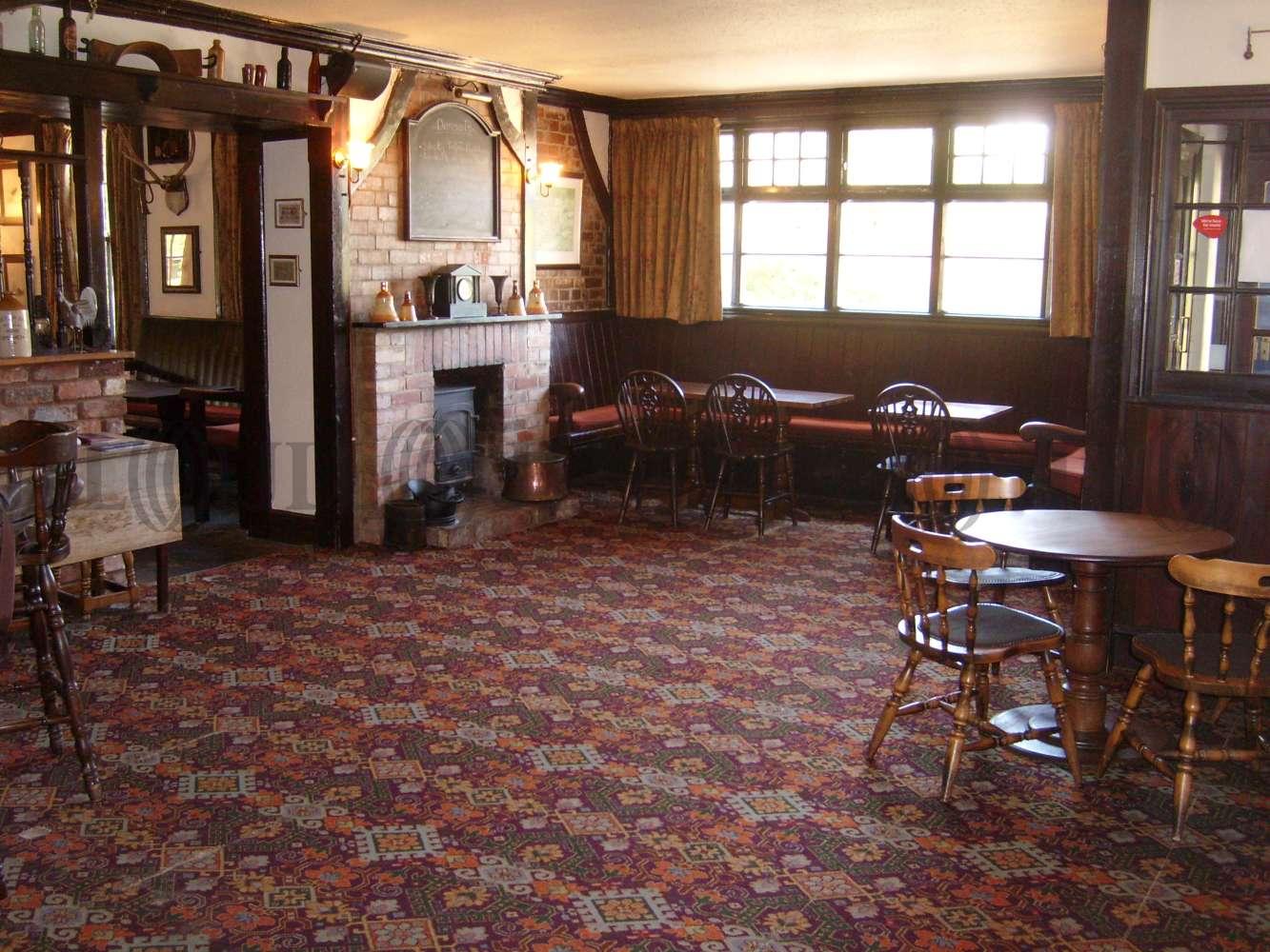 Pub Taunton, TA3 5BY - The Half Moon Inn  - 273411
