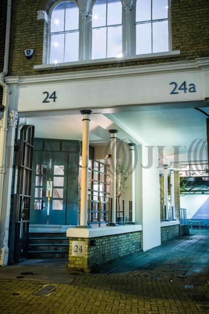 Serviced office London, EC1M 4AY - 24-26 St. John Street - 8