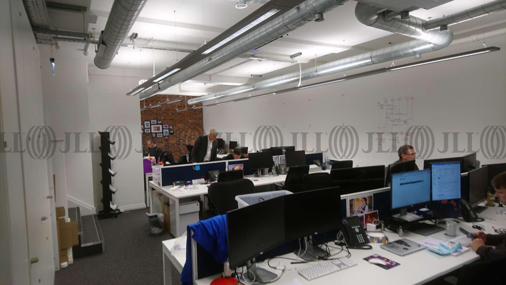 Office London, WC2H 8AF - 115 Shaftesbury Avenue - 27035