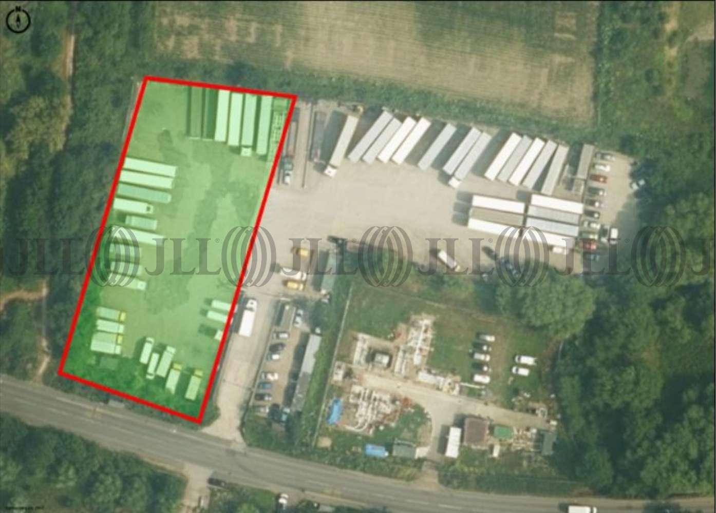 Industrial Colnbrook, UB7 OEW - Parrs Yard