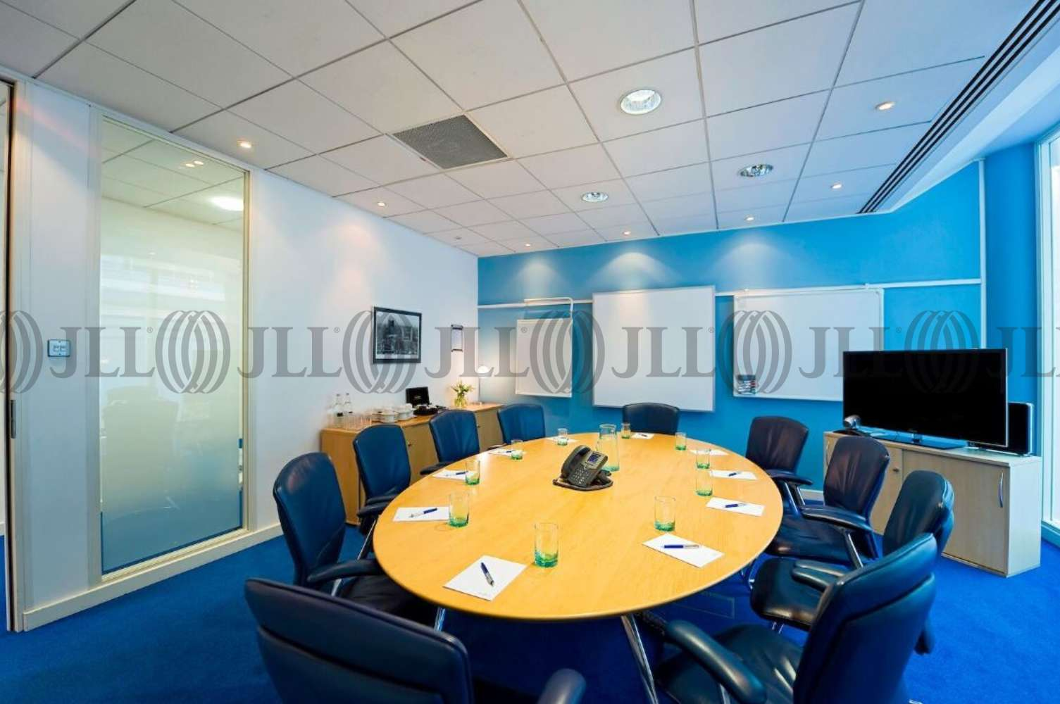 Serviced office Guildford, GU2 7YB - 3000, Cathedral Hill Industrial Estate - 1