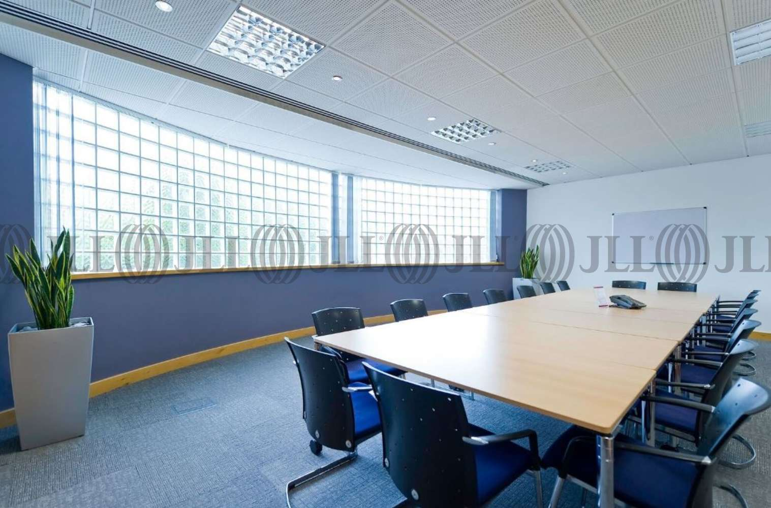 Serviced office Weybridge, KT13 0TT - Wellington Way - 3