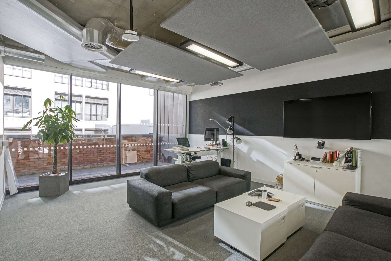 Office London, EC2A 4TP - 99 Clifton Street - 09644