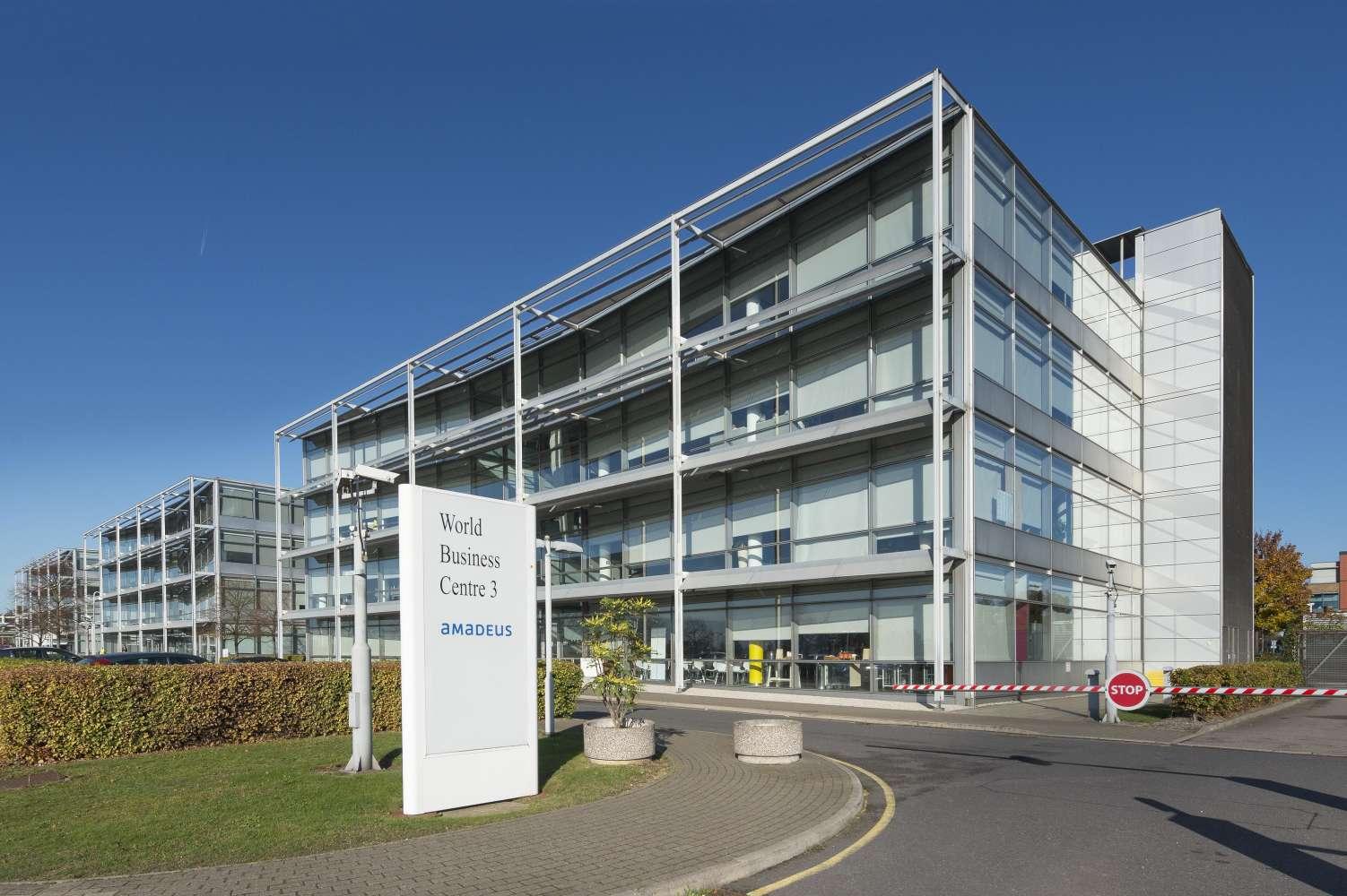 Rent, 3 World Business Centre, Hounslow, TW6 2SF | JLL