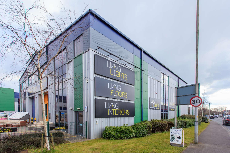 Rent, Unit 6, Broadstone Trade Centre, Poole, BH17 7AE | JLL