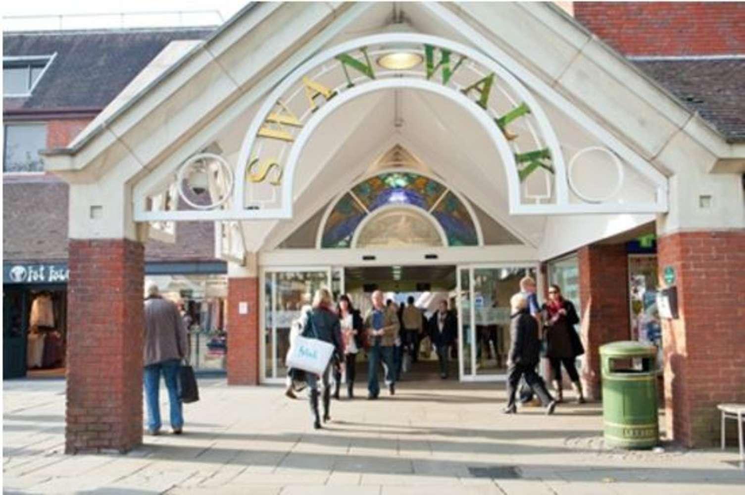 Retail shopping centre Horsham, RH12 1HQ - 10B, Swan Walk - 53761