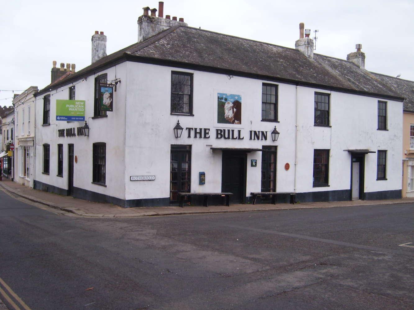 Pub Totnes, TQ9 5SN - The Bull Inn - 273859