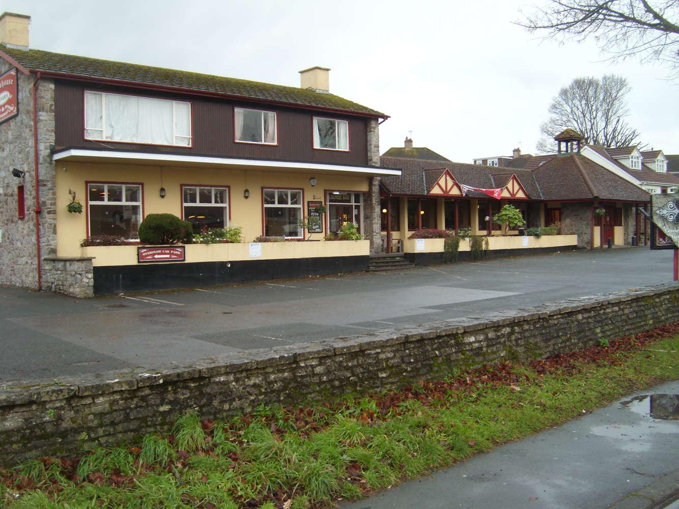 Pub Torquay, TQ2 7AD - The Farmhouse Tavern - 273880