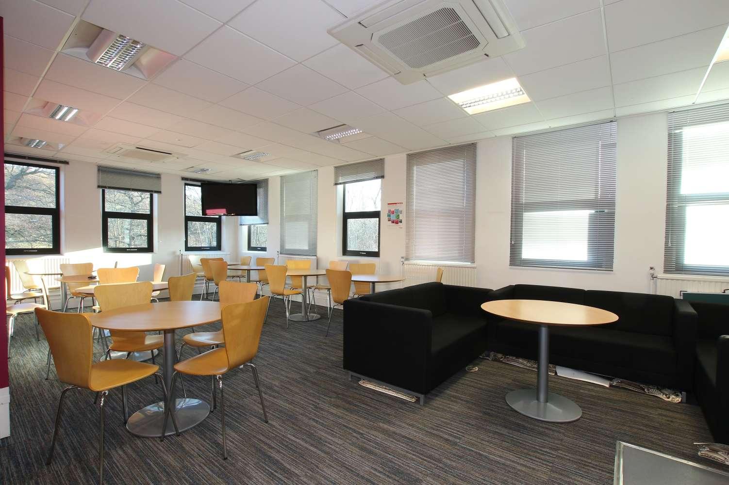 Office Leeds, LS18 5NY - Woodside Trading Estate - 3642