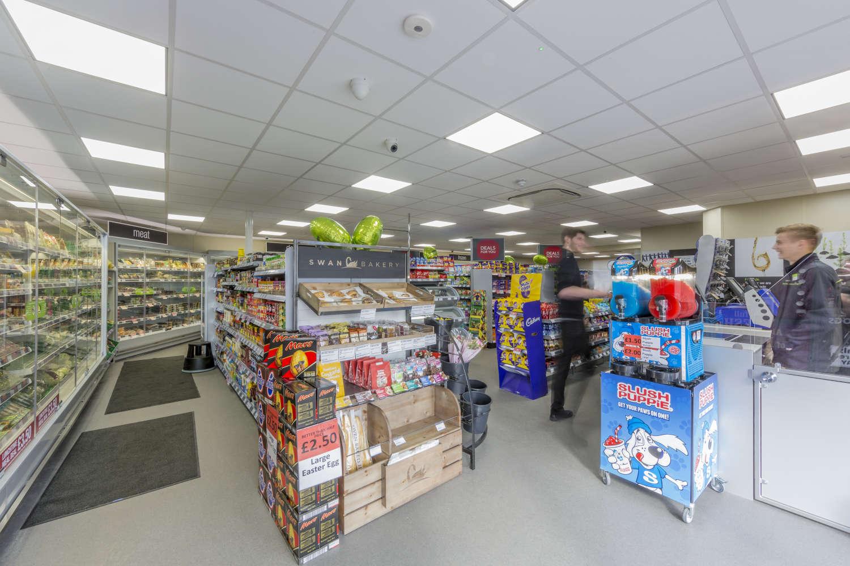 Retail high street Weston-super-mare, BS22 8AA - 141 Milton Road - 042