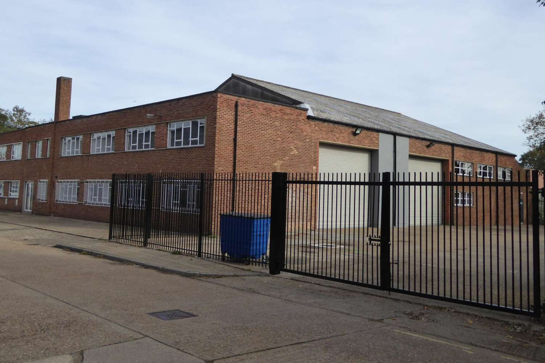 Industrial Isleworth, TW7 6DT - Unit 136 Clocktower Road - 136