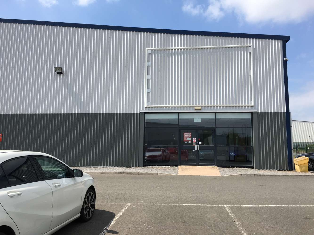Industrial and logistics Cardiff, CF24 5EP - Unit 1A Trident Trade Park - 1217