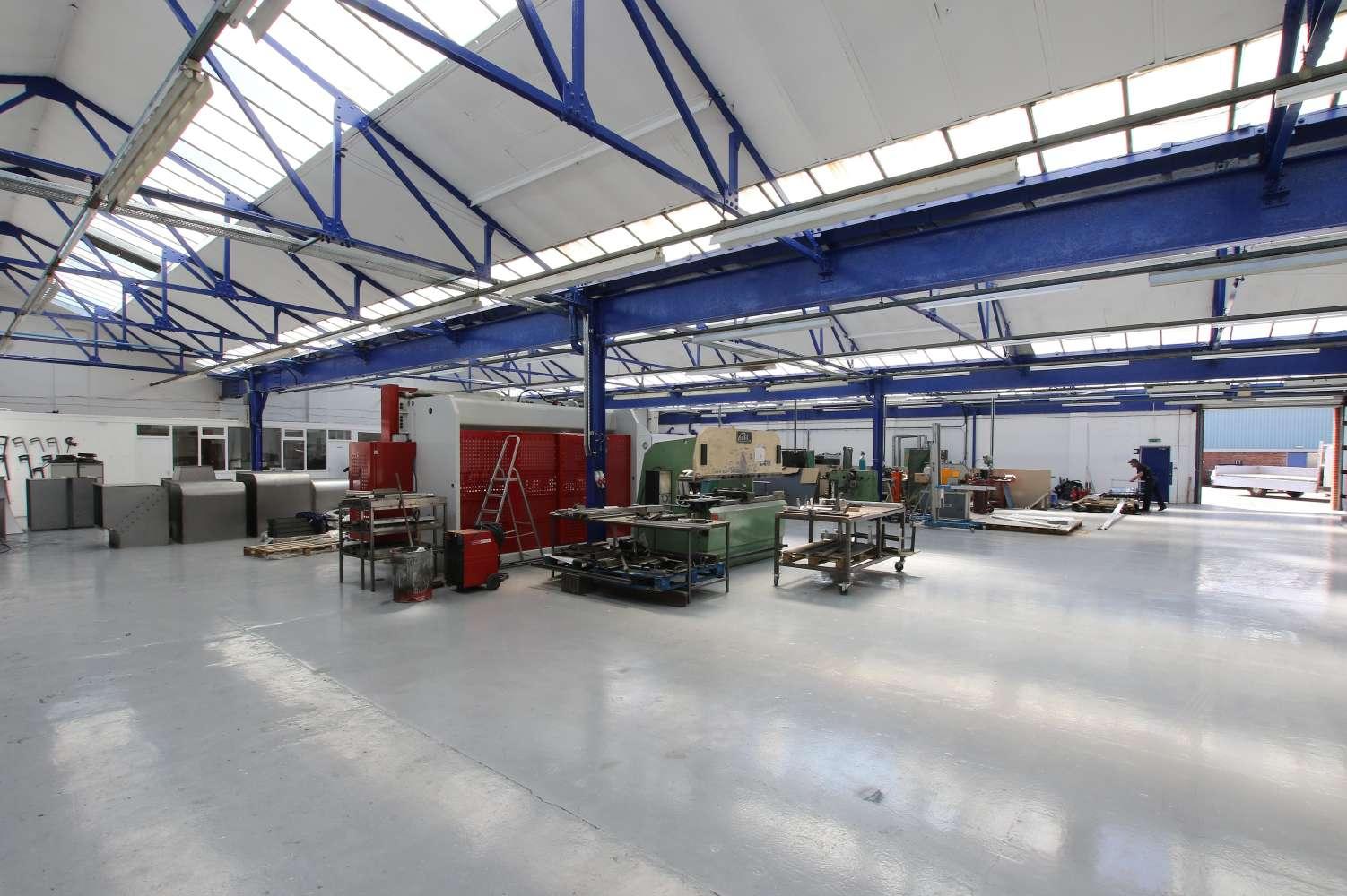 Industrial Leeds, LS11 5SZ - Astra Park - 1131