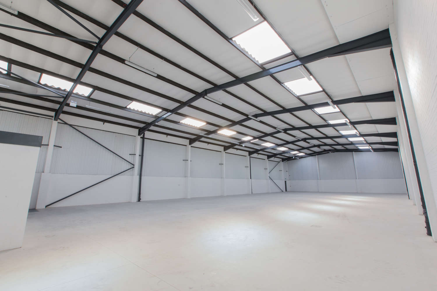 Industrial and logistics Leeds, LS10 1AG - Unit 10 Orbital Industry Park - 5000