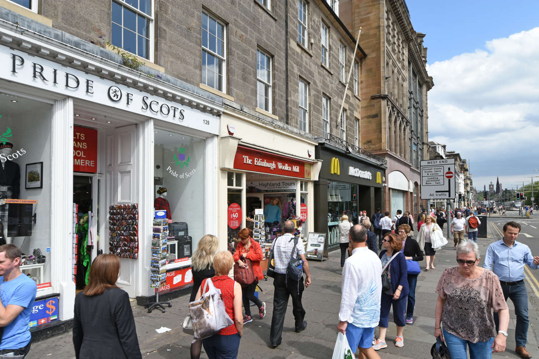 Retail high street Edinburgh, EH2 4BL - 139 Princes Street - 7595