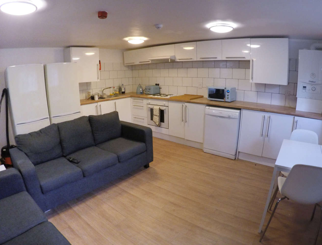 Residential use Manchester, M14 6UB - 17, Clifton Avenue - 2938