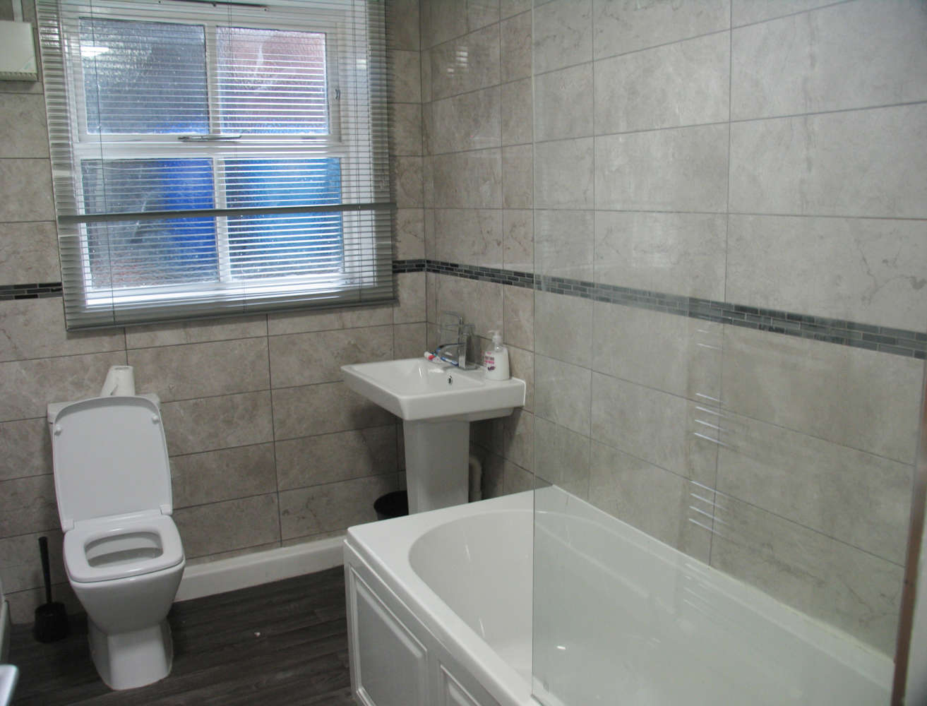 Residential use Manchester, M14 6UB - 17, Clifton Avenue - 3675