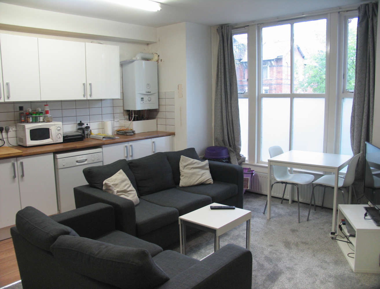 Residential use Manchester, M14 6UB - 17, Clifton Avenue - 3658