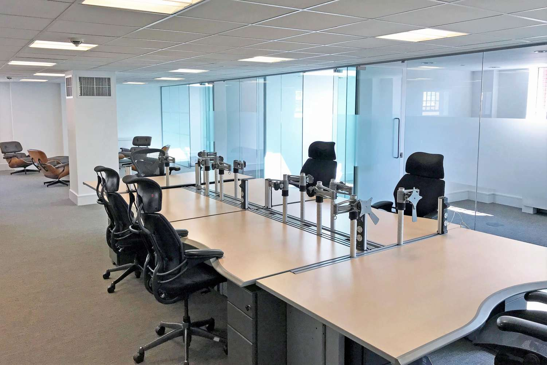 Office London, SW1X 9DQ - 4 Sloane Terrace - 1