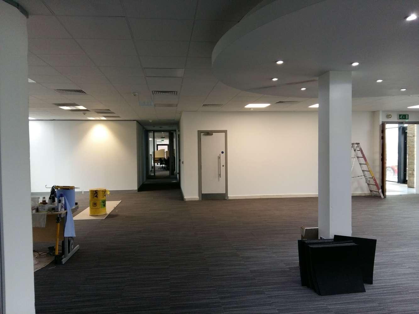 Office Leeds, LS19 7ZA - 7 Airport West - 34