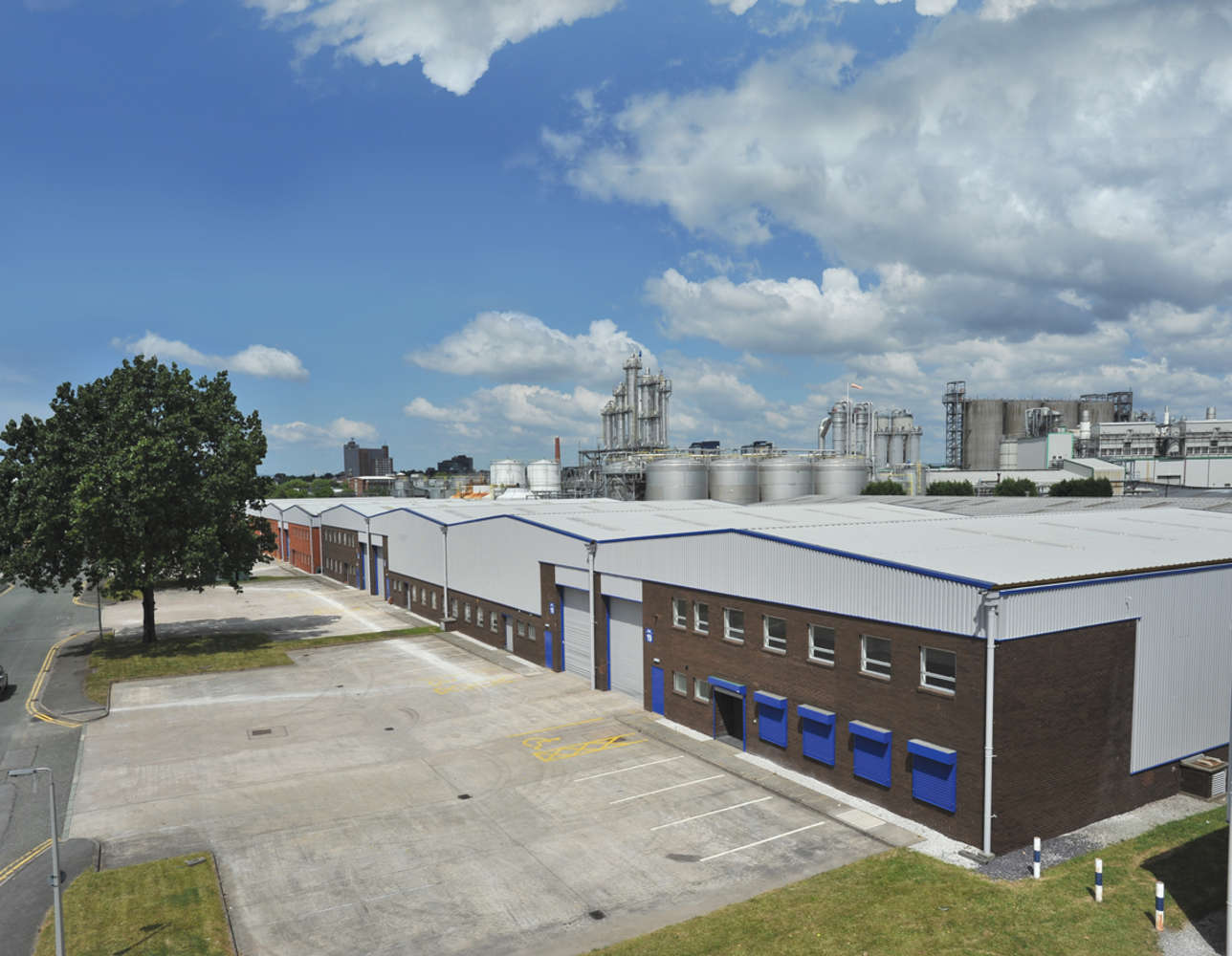 Industrial Manchester, M17 1SB - Guinness Road Trading Estate - 3182
