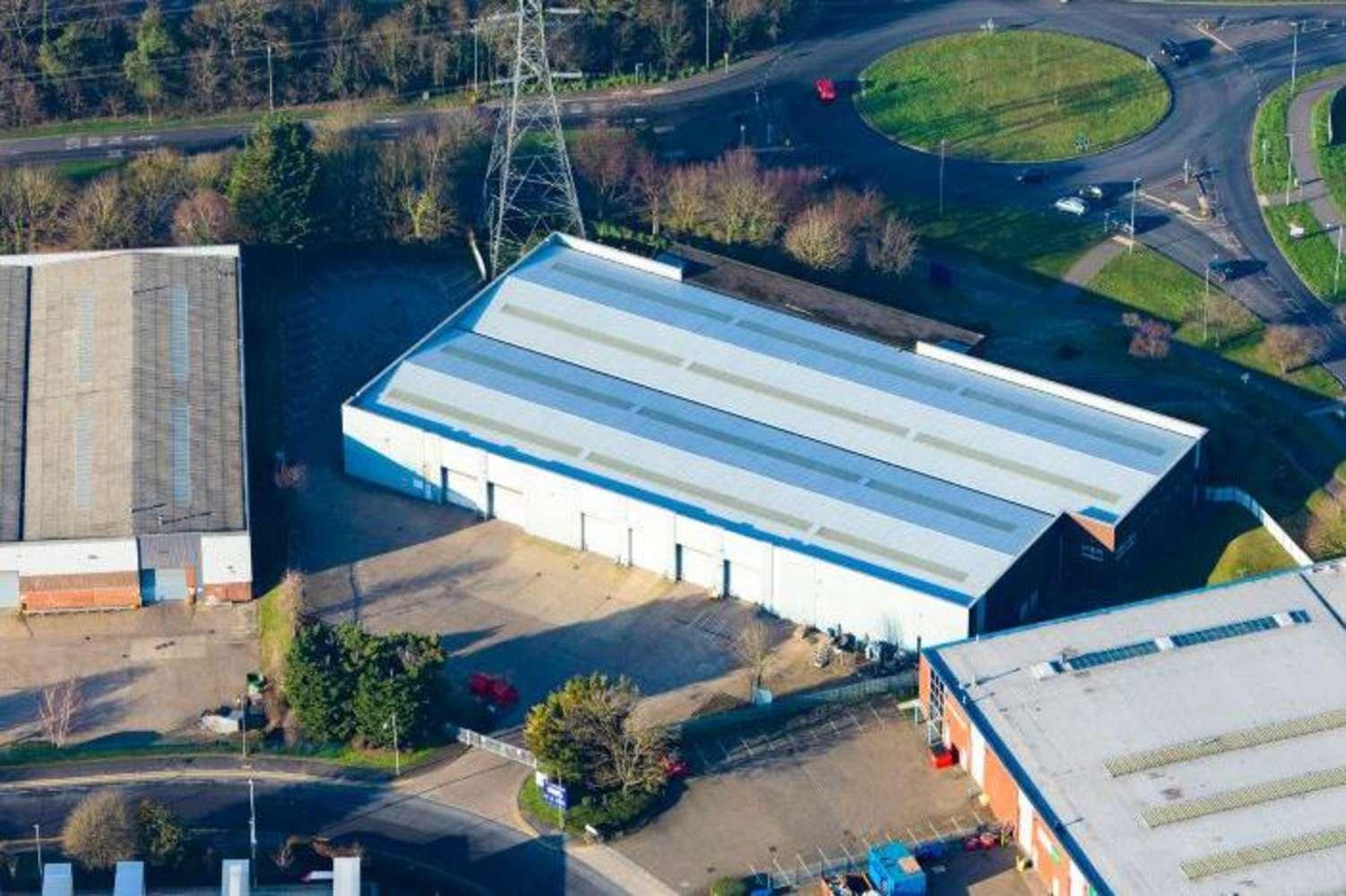 Industrial Dunstable, LU5 4TP - Unit 33 Woodside Industrial Estate - 1