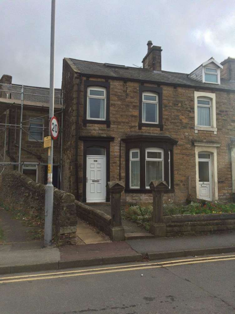 Residential use Barnoldswick, BB18 5DR - 43 Rainhall Rod - 43