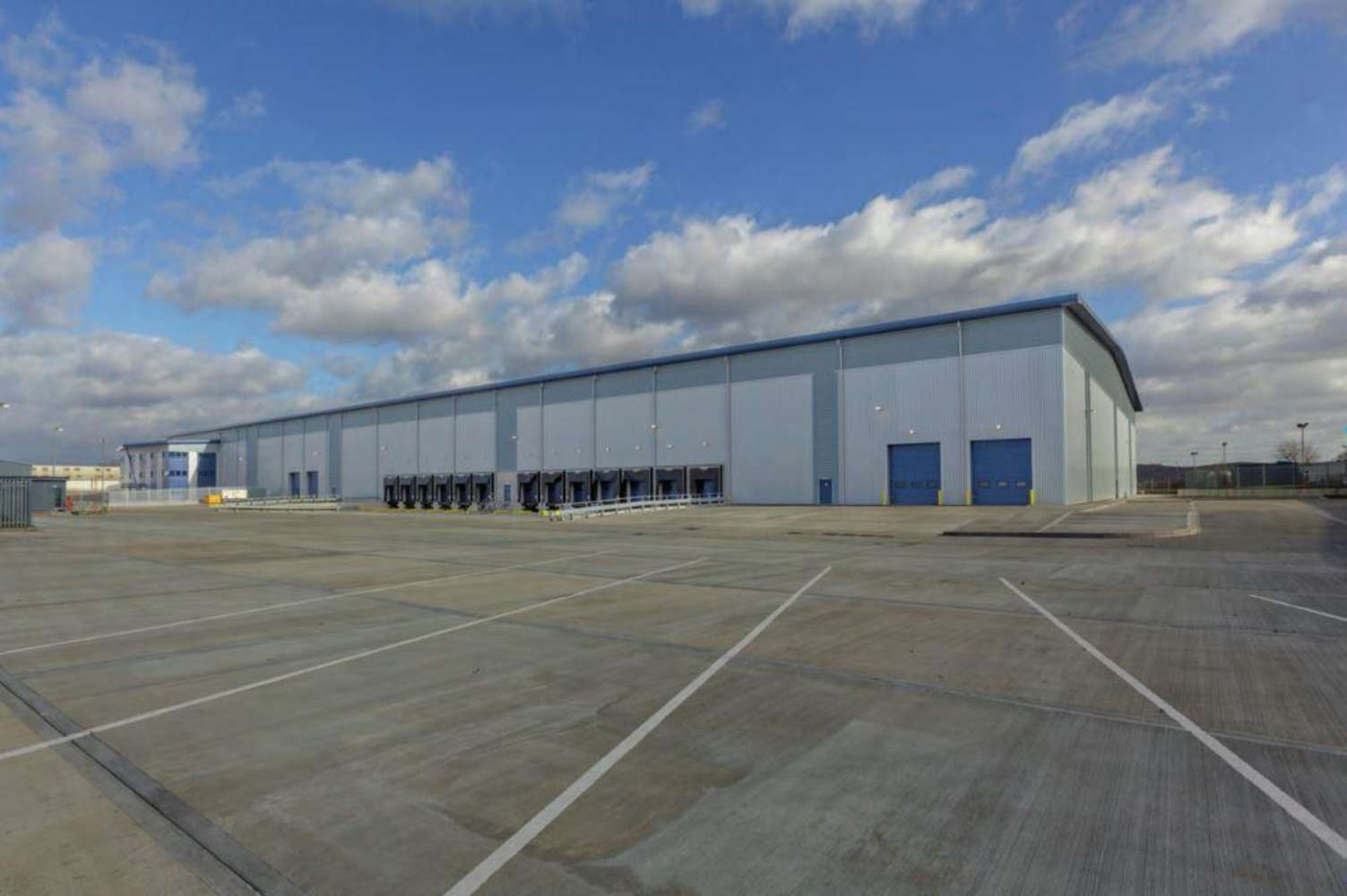 Industrial and logistics Grays, RM20 3FB - Thurrock 162 - 1