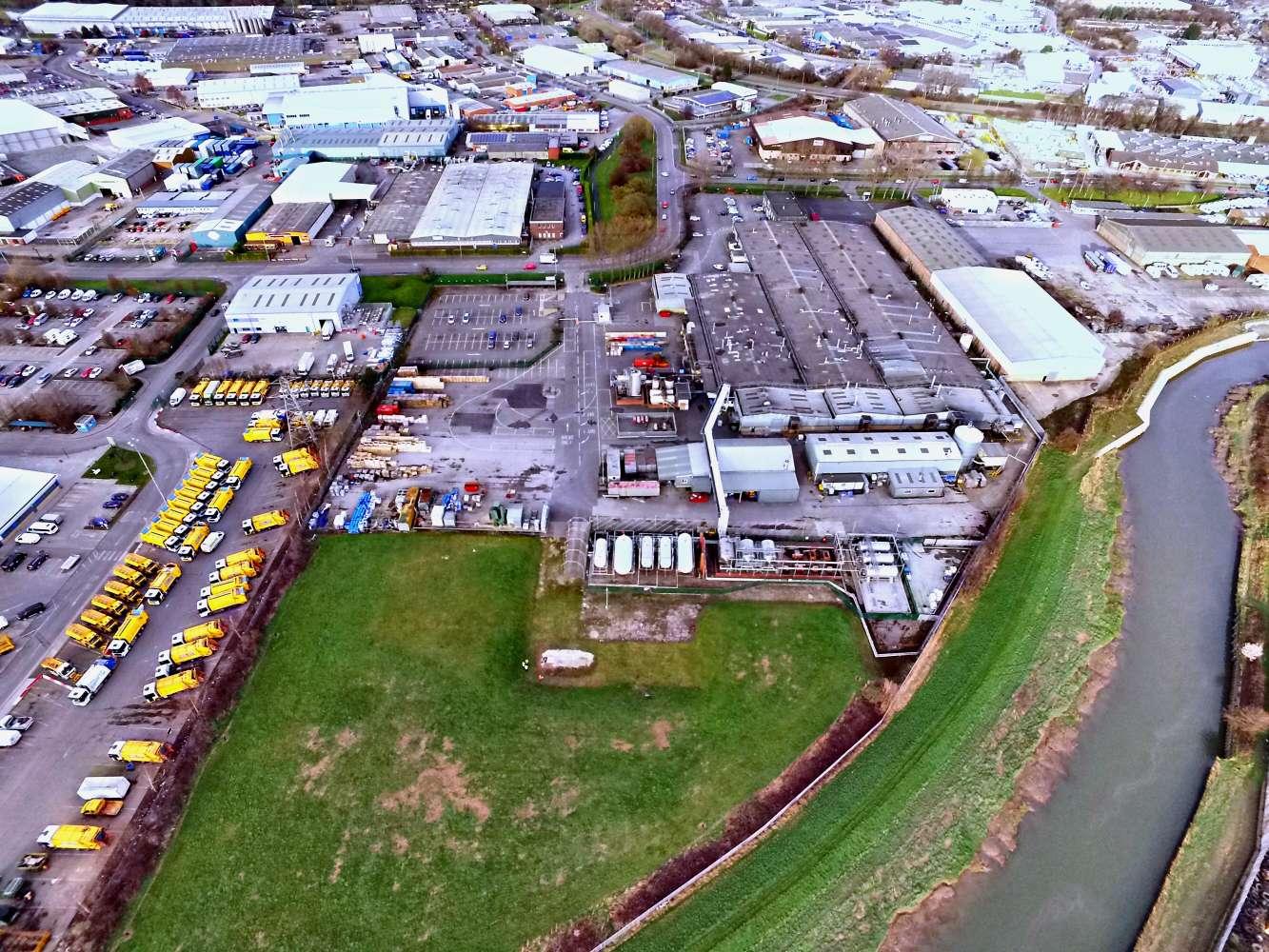 Industrial and logistics Hull, HU7 0BU - West Carr Lane - 3
