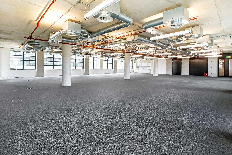 Office London, EC1Y 8AF - 2 Old Street Yard - 04023