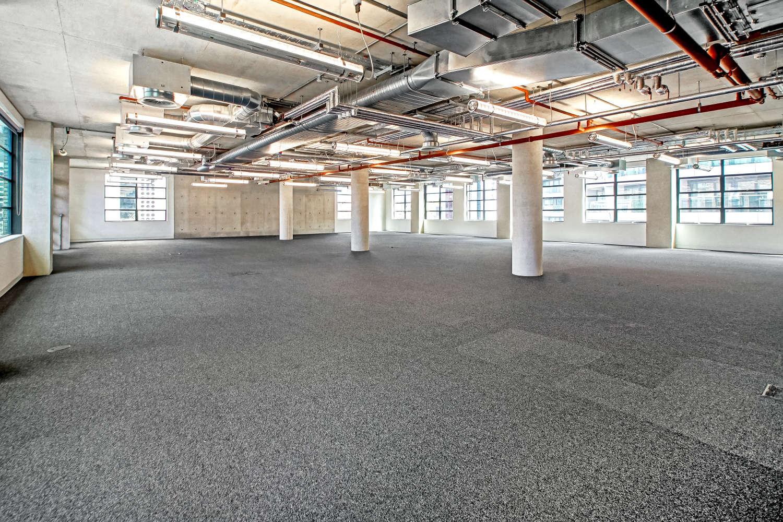 Office London, EC1Y 8AF - 2 Old Street Yard - 04011