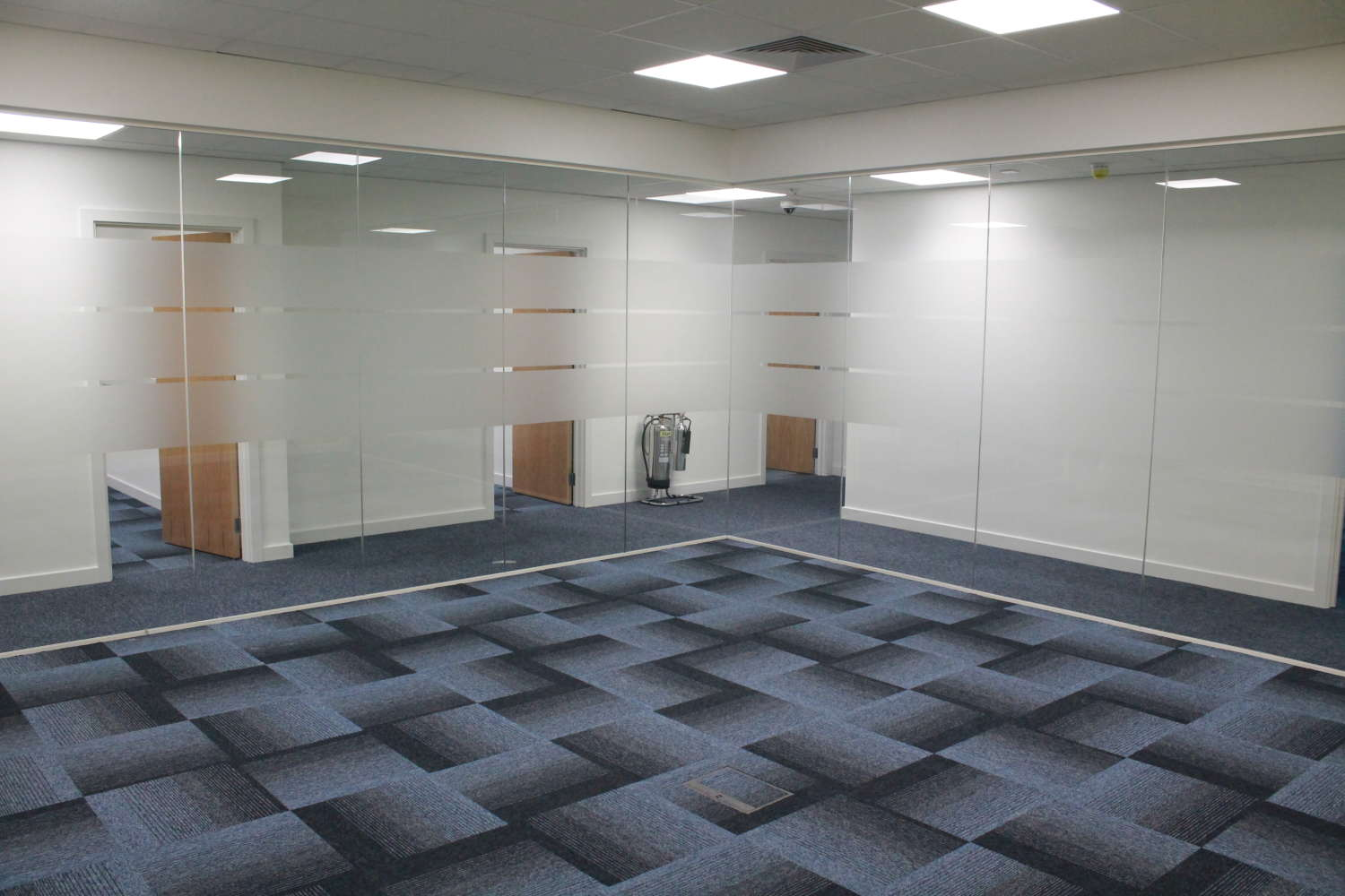 Industrial Bracknell, RG12 8FB - Access Business Centre - 3645